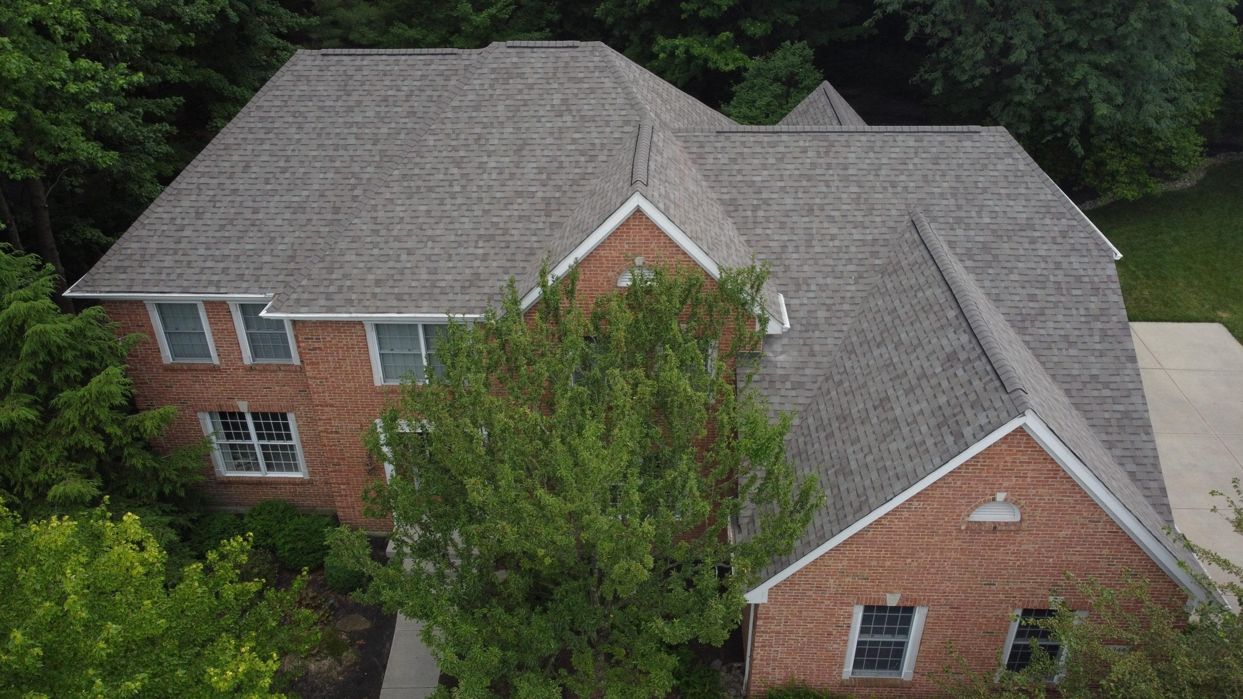 Owens Corning TruDefinition Duration Shingles, With close cut valleys.